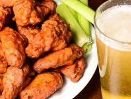 Hot wings: domowy fast food na zdrowo